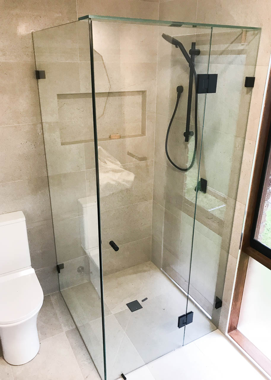 Semi frameless shower screens Rowville by Flash Glass & Glazing