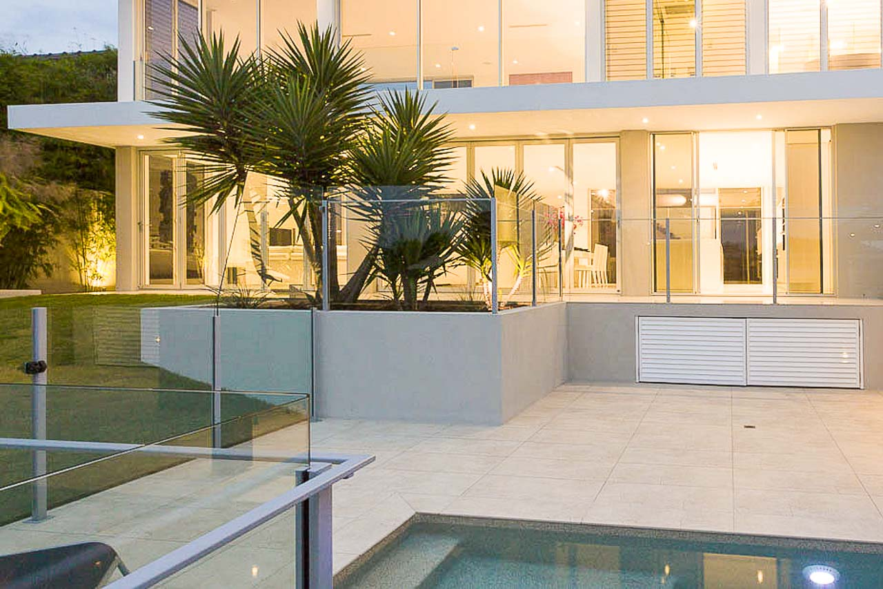 Glass Pool fences, Glass spa fences, Glass Internal and external staircases & Glass balconies